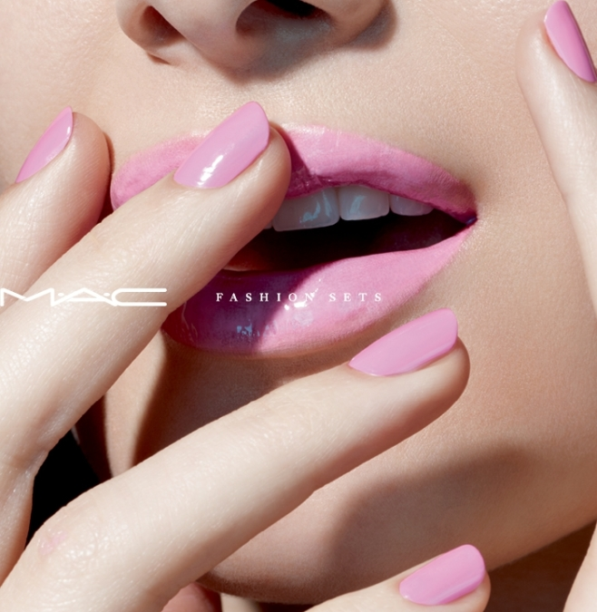 Miles  Aldridge  Mac  Fashion Sets1