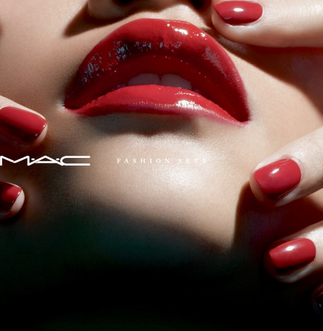 Miles  Aldridge  Mac  Fashion Sets3