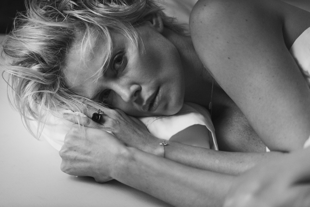 Peter Lindbergh  W16 Charlize Theron2
