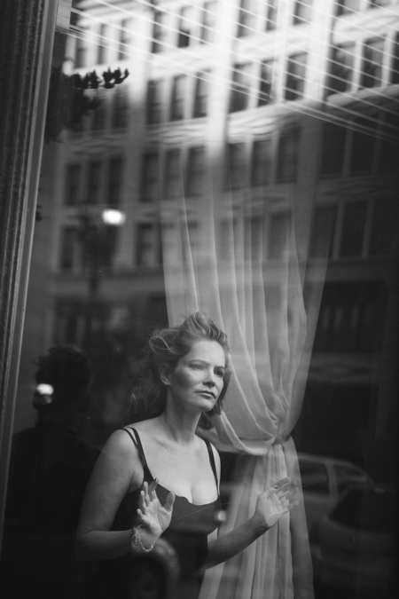 Peter Lindbergh  W16 Jennifer Jason Leigh