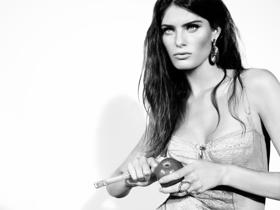 Tom Munro Vogue Isabeli Fontana1